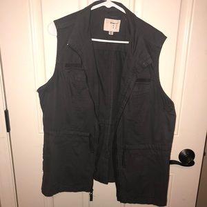 BNWOT Grey utility vest plus size